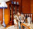 Дом Димы Бикбаева превратился в антикварный салон