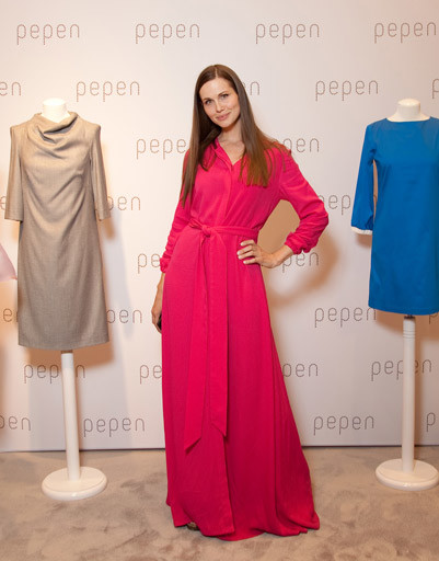 Наталья Лесниковская в платье PEPEN