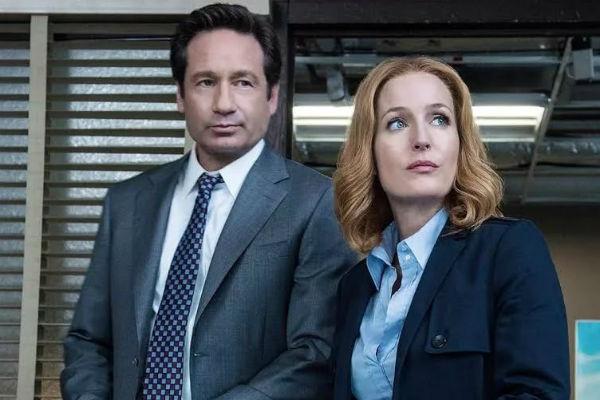 Агент Скалли и агент Малдер