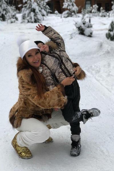 Актриса старается сделать все, чтобы ее сын был счастлив