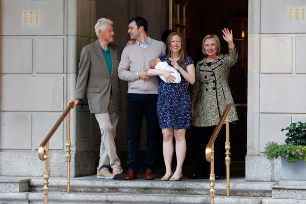 В 2016 году, когда на свет появился сын Челси, отец и мать встречали ее из роддома