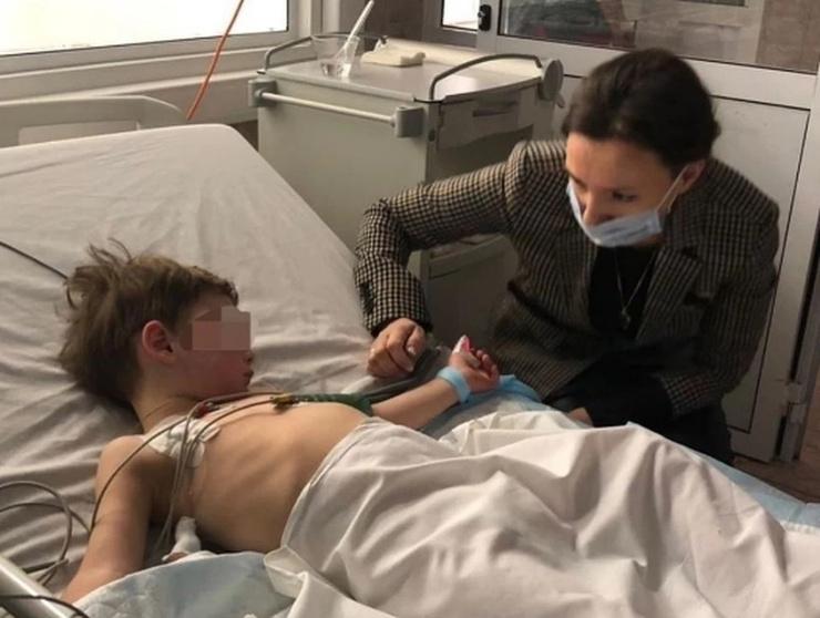 Уполномоченный по правам ребенка Анна Кузнецова на днях навещала детей в больнице