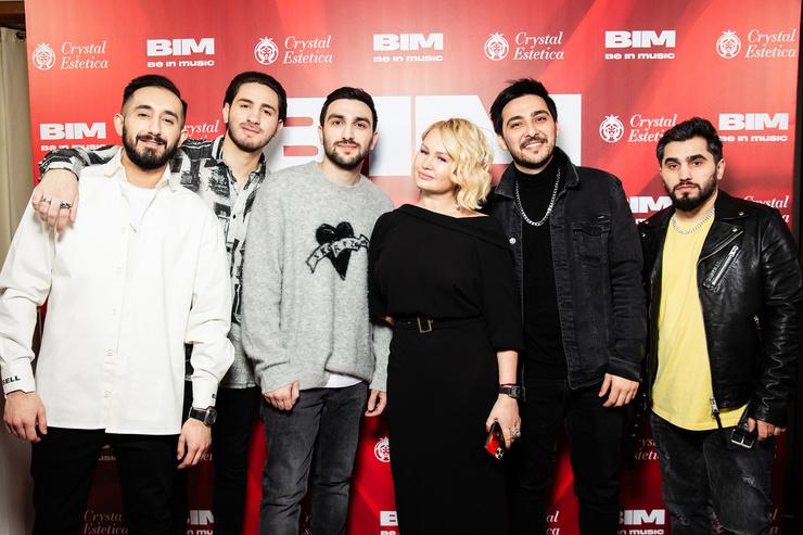 Елена Боска с артистами лейбла BIM Music —