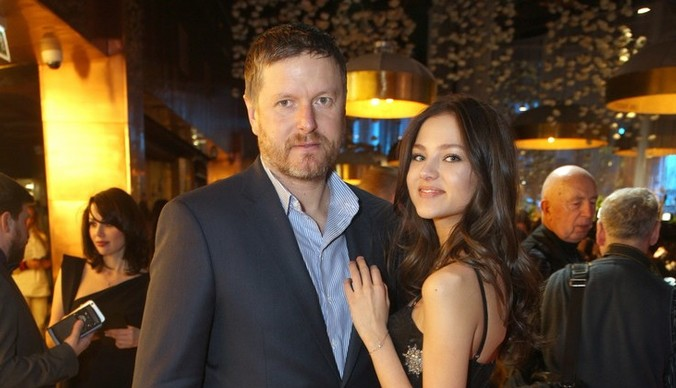 Алеся Кафельникова: «Как только впускаю папу в свою жизнь, мне становится больно»