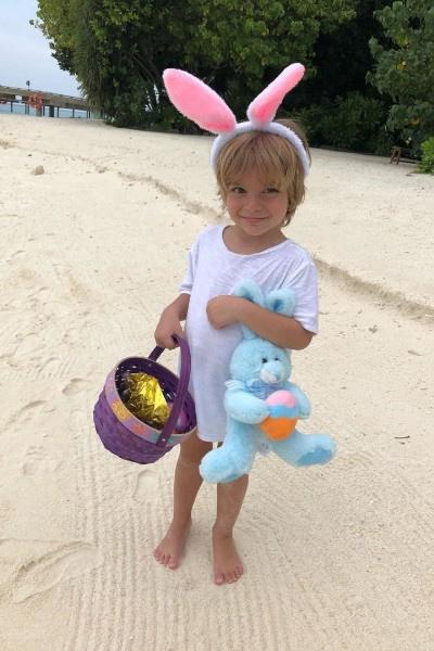 Дети Сергея Жукова отпраздновали Пасху на Мальдивах