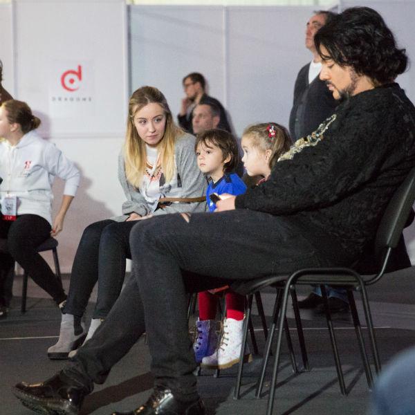 Филипп Киркоров признался, что хотел бы впечатлить маленьких Аллу-Викторию и Мартина