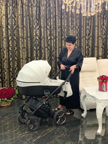 Елена счастлива вновь насладиться материнством