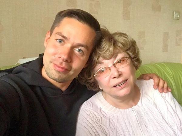 Стас всегда был близок с бабушкой