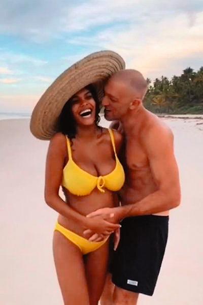 В августе прошлого года Кассель женился на 21-летней модели Тине Кунаки. Сейчас пара ждет ребенка
