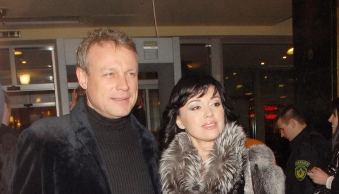 Сергей Жигунов продал дачу после расставания с Анастасией Заворотнюк