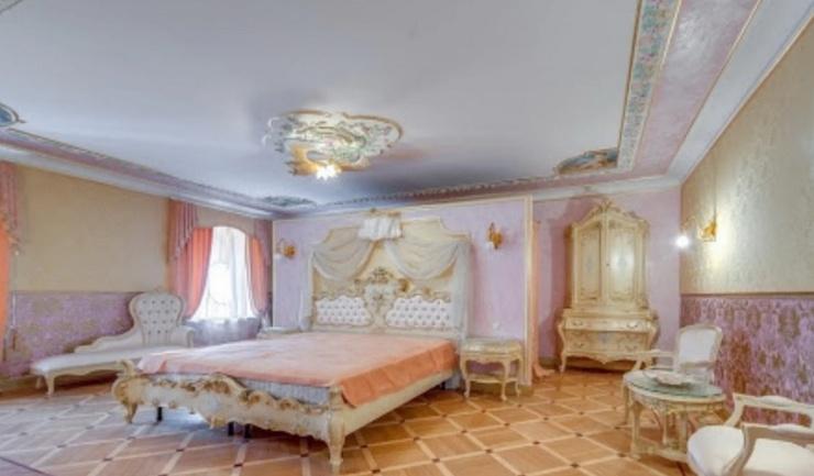 Спальня в квартире, где Волочкова проводила время с Керимовым