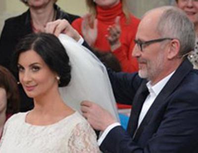 Екатерина Стриженова примерила свадебное платье