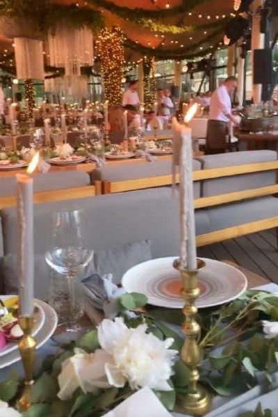 Свадьбе проходит в киевском ресторане