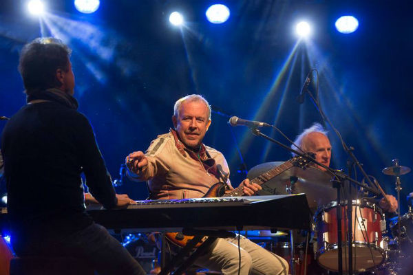 Макаревич считается одним из самых популярных артистов в стране