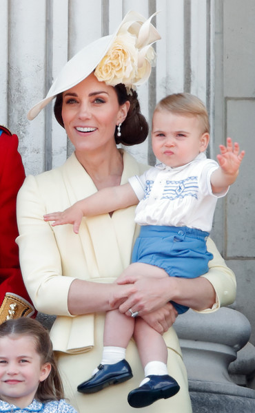 Малыш Луи еще редко появляется на публике