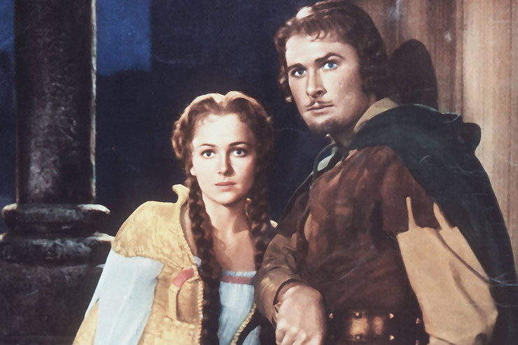 Ранняя карьера де Хэвилленд была напрямую связана с Эрролом Флинном