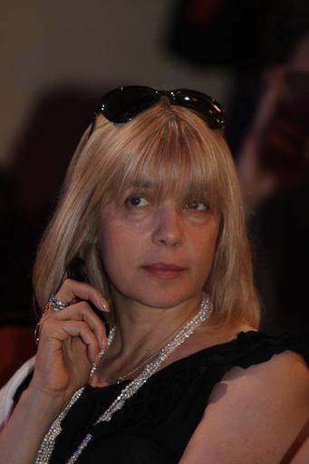 Несмотря на занятость, актриса находила время на посещение театральных и кинопремий