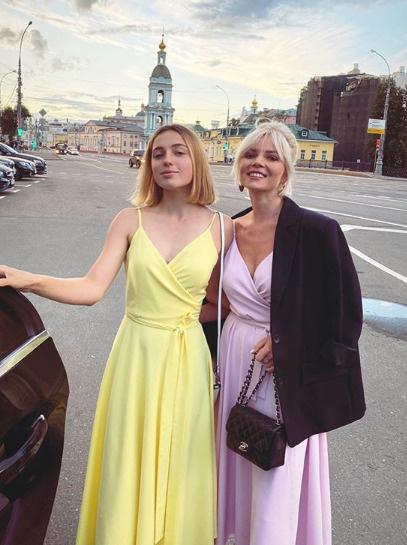 Елена прекрасно ладит с Ариадной