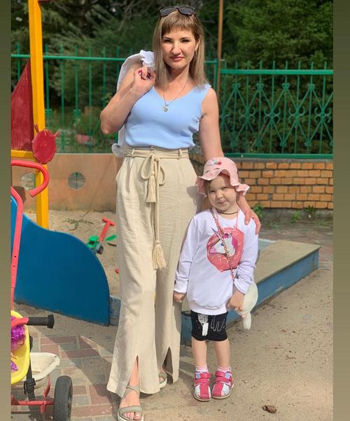 Оксана Усова с дочерью Любой