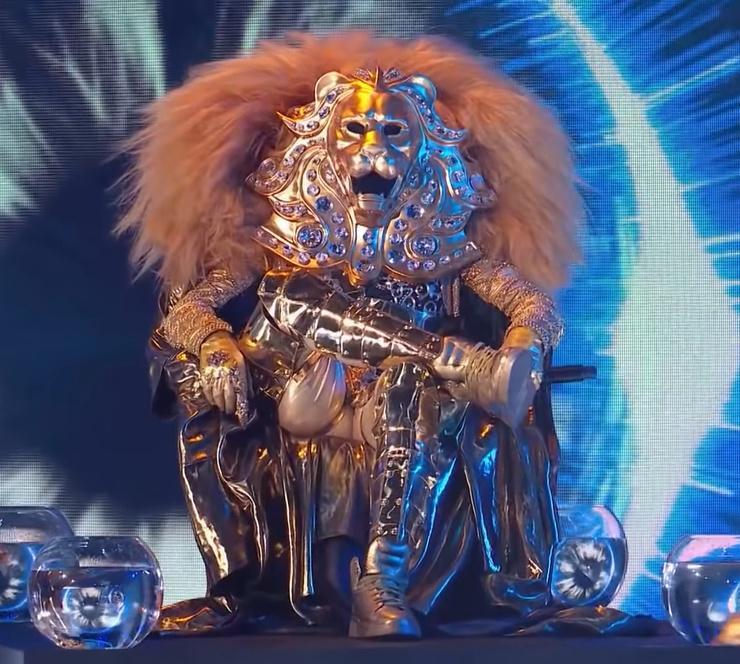 До финала проекта зрителям так и не удалось узнать, кто скрывается под маской Льва