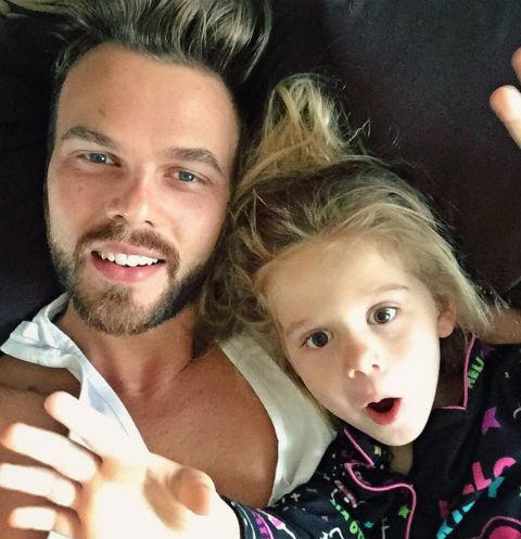 Максим Чернявский с дочкой