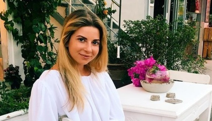 Беременная Галина Юдашкина улетела рожать в США