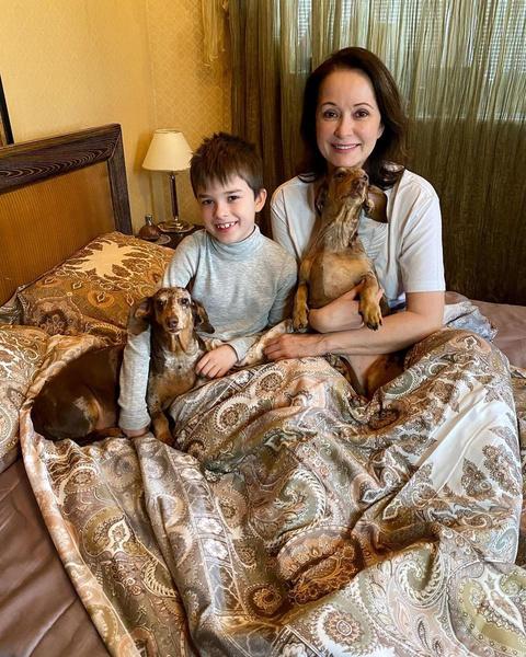 Актриса растит 8-летнего сына Виктора