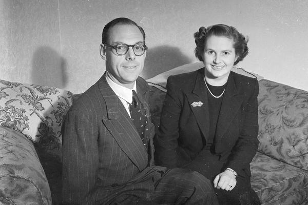 Поговаривали, что на брак с Дэнисом Тэтчером Маргарет согласилась из-за денег