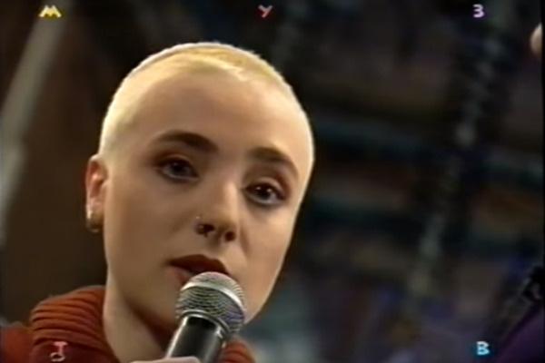 Тутта Ларсен начала карьеру в 90-е