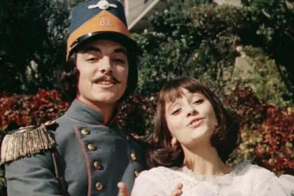 Сергей Захаров снялся в картине «Небесные ласточки». С партнершей по фильму Ией Нинидзе
