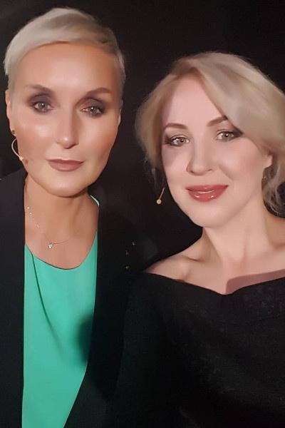 Ольга (слева) переживает за маму