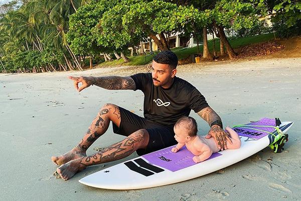 Тимати провел январские праздники с семьей на пляжах Тихого океана