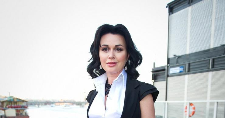 Соседка Анастасии Заворотнюк рассказала о госпитализации актрисы