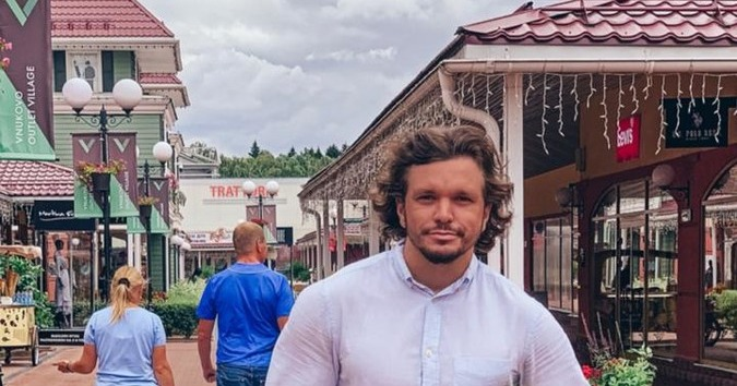Антон Гусев заплатил штраф 153 тысячи перед вылетом за границу