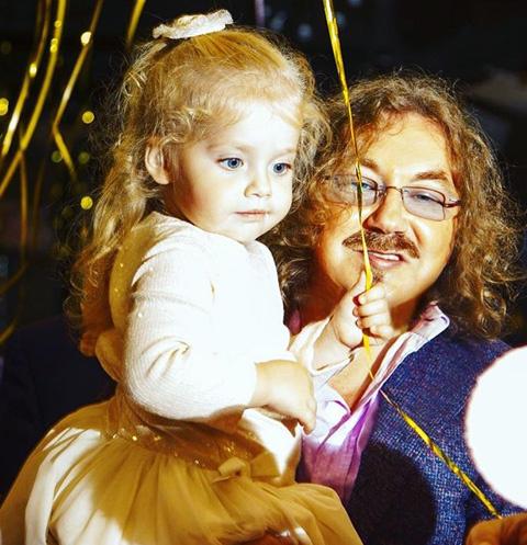 Лиза Галкина с крестным папой Игорем Николаевым
