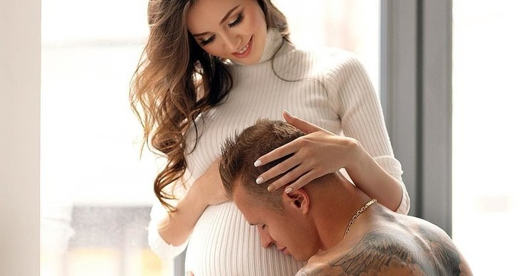 Жена Дмитрия Тарасова перестала скрывать беременность