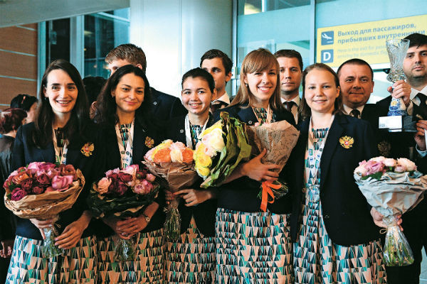 Екатерина Лагно, Александра Костенюк, Александра Горячкина, Ольга Гиря и Валентина Гунина привезли медали в столицу