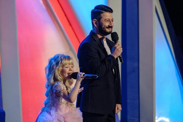 Михаил ведет проект с юной Евой Смирновой