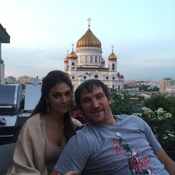 Влюбленные покинули родину и отправились в США, где Овечкин работает по контракту