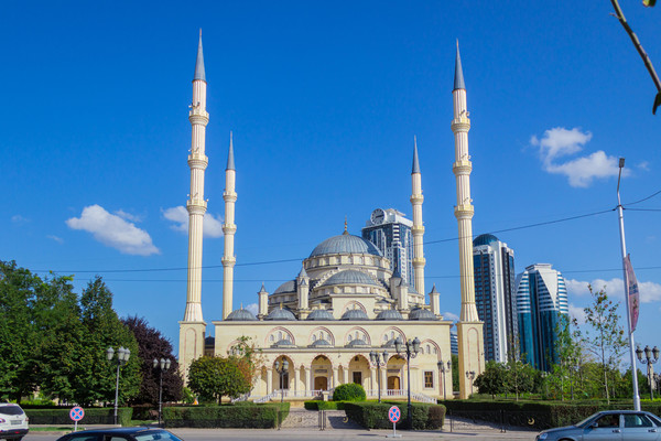 Under Kadyrov, the Heart of Chechnya mosque opened in Grozny
