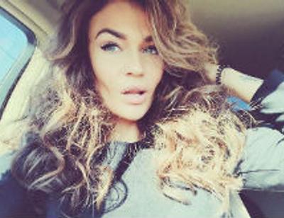 Алена Водонаева оказала первую помощь возлюбленному