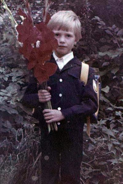 Костомаров с ранних лет мечтал стать гимнастом или пловцом.