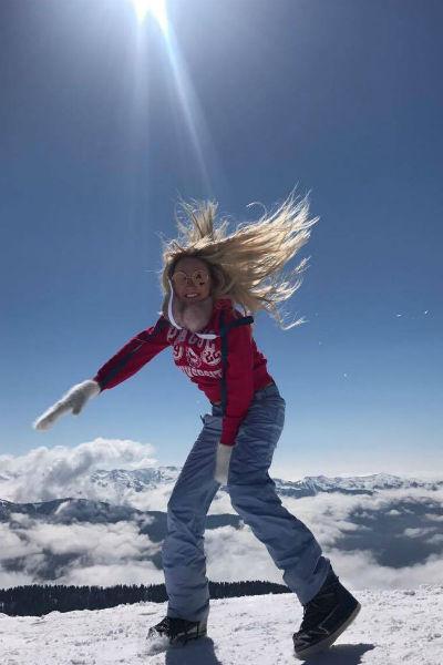 Дарья Пынзарь покаталась на лыжах в Сочи