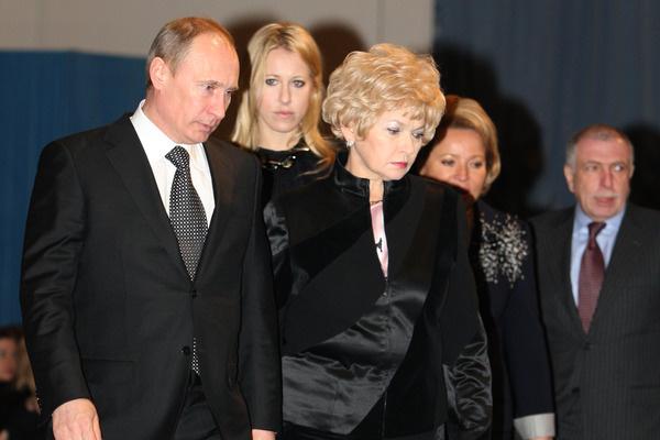 Владимир Путин близко дружил с отцом Ксении