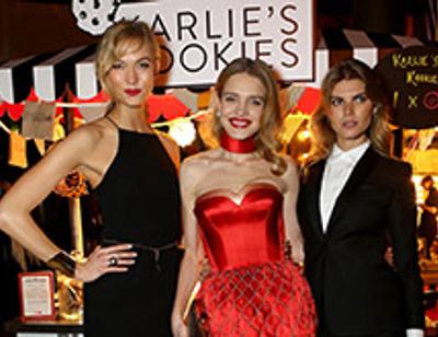 Наталья Водянова и другие звездные гости на благотворительной ярмарке