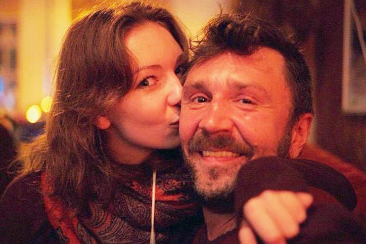 Роспуск «Ленинграда», развод с Матильдой, конфликты с коллегами. За что осуждают Сергея Шнурова