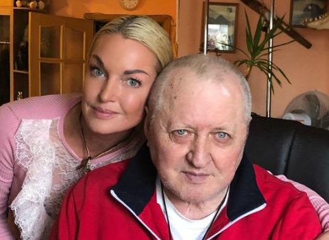 Анастасия Волочкова выгнала из квартиры гражданскую жену отца
