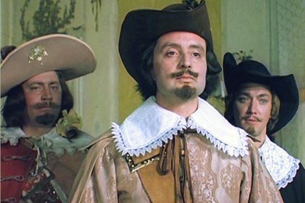 После первой части саги о мушкетерах актер обрел популярность