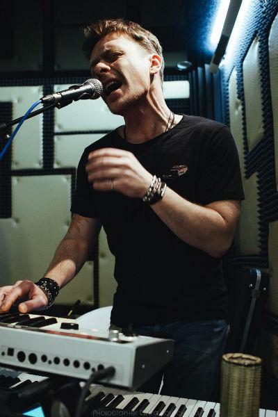 Павел часто выступает с концертами