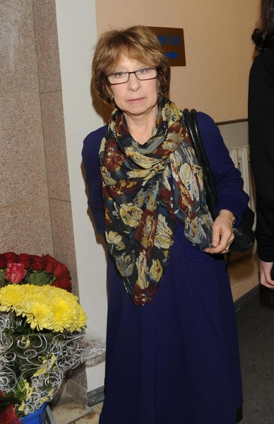Чурикова уверена, что Ахеджакова справится с негативом в свой адрес